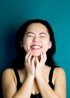7 Health Benefits of Laughter | Wellness | Gaiam Life