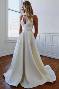 Plain Wedding Dress, Wedding Dress With Pockets, Wedding Dress Train, Backless Wedding, Wedding Dress Trends, Long Wedding Dresses, Bridal Dresses, Lace Wedding, Gown Wedding