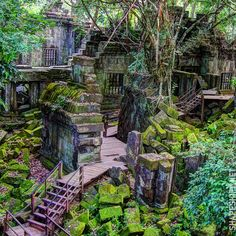 Beng Mealea Sanctuary in Angkor, Cambodia. Laos, Oh The Places You'll Go, Places To Travel, Places To Visit, Vietnam, Phnom Penh, Beautiful World, Beautiful Places, Foto Nature