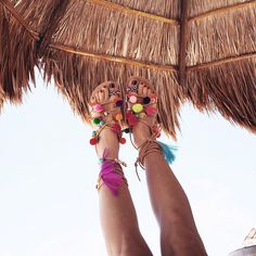 love these pom pom sandals for the beach
