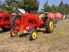 Antique Massey Harris Tractor - Massey Harris 22 - TractorShed.com