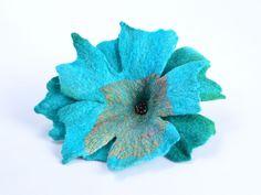 nuno-felt-flower-brooch-in-turquoise-b55.jpg (1500×1125)