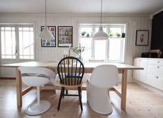 Black and white kitchen Pantone, Ikea, Conference Room, Black And White, Kitchen, Table, Furniture, Home Decor, Black White