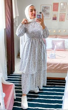 Modest Fashion Hijab, Modern Hijab Fashion, Hijab Fashion Inspiration, Muslim Fashion, Fashion Dresses, Hijab Wedding, Mode Turban, Hijab Evening Dress, Hijab Fashionista