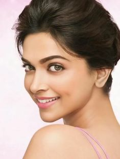 39 Best ideas for fashion model photoshoot magazines style Bollywood Actors, Bollywood Celebrities, Bollywood Fashion, Bollywood Style, Beautiful Bollywood Actress, Most Beautiful Indian Actress, Beautiful Actresses, Indian Film Actress, Indian Actresses