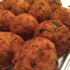 #arancini #riceballs #traditional AND #nonTraditional #homemade #handmade #freshtoOrder #madeWithLove #queens #statenisland #foodie #foodporn #goodeats #nom #italianfood #delicious #truffles #leahsitalianapples #sicilian #deepfried #goldenbrown #notyourNonnas #reinventingRiceballs #supportLocalBusiness #followyourdream #cheesy #eeeeeats #catering #foodilysm #fuckthatsDelicious http://hauteaudio.com