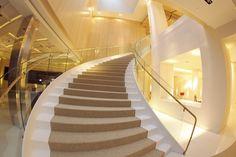 Recepción - escalera principal