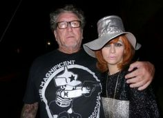 Jonsey (Steve Jones) & Linda Ramone (via 70s Punk Rock Gallery /FB)