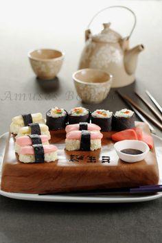 idée venue de Nana : http://www.amusesbouche.fr/article-plateau-de-sushi-62421197.html