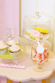 Easter or Spring-themed party sweets - beautifully displayed!