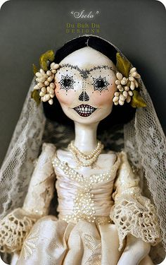 Creepy and pretty at the same time -dubuhdu