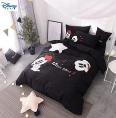 mickey and minnie duvet covers & Comforter bedding set Minnie Mouse Bedding, Mickey Mouse Bedroom, Disney Bedding, King Size Comforter Sets, King Size Comforters, Duvet Bedding Sets, Black Duvet Cover, Duvet Cover Sets, Cute Bed Sets