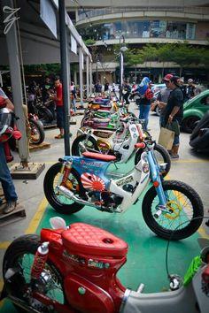 Classic Motors, Classic Bikes, Motorcycle Outfit, Motorcycle Bike, Custom Motorcycles, Custom Bikes, Honda 90, Street Tracker, Motos Honda