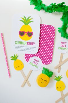 Host a Summer Pineapple Party - Pineapple themed invitation for kids Fruit Birthday, 12th Birthday, Baby Birthday, Birthday Ideas, Diy Party Decorations, Summer Parties, Party Time, Invitations, Free Printables