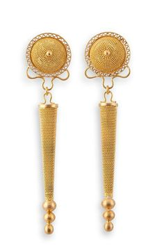 Orecchini in filigrana in oro 18 Kt,realizzati a mano da Loredana Mandas. Filigree earrings in gold 18k ,handcrafted by Loredana Mandas.