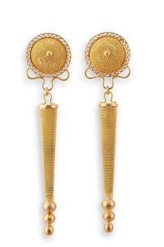 Orecchini in filigrana in oro 18 Kt,realizzati a mano da Loredana Mandas. Filigree earrings in gold 18k ,handcrafted by Loredana Mandas.