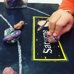 Play Dough, Learn French, Planets, King, Learning, Space, Awesome, Cards, Inspiration