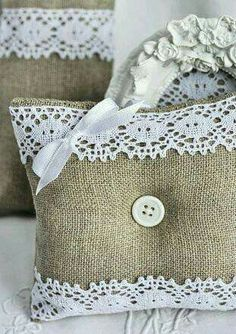 Burlap and lace pillows.I have so much burlap left over from my wedding. Burlap Projects, Burlap Crafts, Fabric Crafts, Sewing Crafts, Sewing Projects, Craft Projects, Lavender Bags, Creation Deco, Burlap Lace