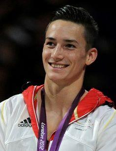 oh ja. so schön und was für ein schönes Lächeln! Marcel Nguyen auf Deutschland!