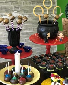 Festa Harry Potter: 70 ideias mágicas e tutoriais para fazer a sua Harry Potter Diy, Harry Potter Snacks, Harry Potter Fiesta, Theme Harry Potter, Harry Potter Baby Shower, Harry Potter Cosplay, Harry Potter Halloween, Harry Potter Pictures, Harry Potter Wedding