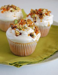 Vanilla cupcakes with pistachio praline whipped icing. From Technicolor Kitchen (in English).