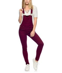 Crafted with a stretchy denim construction for ample mobility and comfort, these solid burgundy overalls feature a skinny fit and rolled ankle cuffs that will keep your style on point.