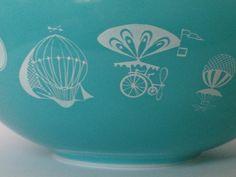 Pyrex Balloons 444 Cinderella Mixing Bowl 4 Quart Aqua Turquoise by thetrendykitchen on Etsy