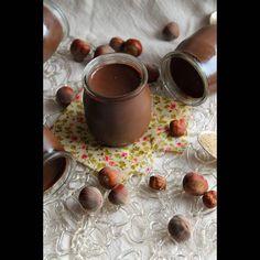 Small pots of chocolate-hazelnut cream {vegan} Vegan Sweets, Vegan Snacks, Vegan Recipes, Cooking Recipes, Chocolate Hazelnut, Chocolate Desserts, Chocolate Cream, Patisserie Vegan, Gateaux Vegan