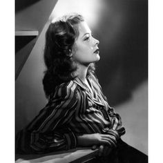 Image discovered by Christopher Maland. Find images and videos about jane greer on We Heart It - the app to get lost in what you love. Old Hollywood Stars, Vintage Hollywood, Hollywood Glamour, Classic Hollywood, 50s Glamour, Classic Actresses, Classic Films, Actors & Actresses, Hollywood Actresses