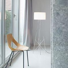 Ray F: Discover the Flos standard lamp model Ray F