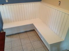 DIY Corner Dining Bench with storage Any individual can develop a residence sweet house, even when the price range is tight. Dining Bench With Storage, Corner Dining Bench, Dining Booth, Diy Bench, Dining Area, Corner Booth Kitchen Table, Corner Banquette, Window Benches, Kitchen Banquette