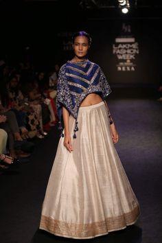 Jayanti Reddy LFW Winter Festive 2017 Indian Designer Outfits, Designer Dresses, Indian Dresses, Indian Outfits, Chanya Choli, Lehenga Designs, Lakme Fashion Week, Indian Fashion, Women's Fashion