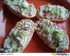 Tuňáková pomazánka s pažitkou Fresh Rolls, Ricotta, Baked Potato, Sushi, Food And Drink, Potatoes, Baking, Ethnic Recipes, Spreads