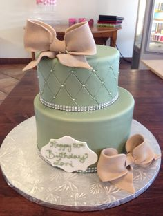Cute little cake with 'burlap' bows