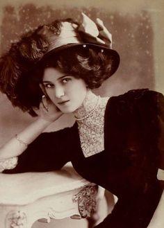 Elise Lilly models Gorgeous Belle Epoque Chapeau...Donnine...