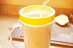 Apple, cinnamon and banana smoothie - I'd probably replace the milk for nut milk maybe sub the Greek yoghurt for avocado or leave it out all together | Harley Pasternak  #vegetarian #smoothies