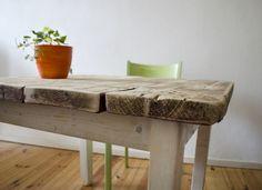 Hölzerner Tisch im Landhaus Stil // Wooden countryhouse table by Zimmerliebe via DaWanda.com