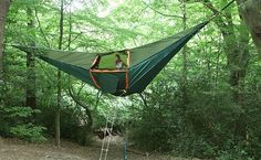 Portable tree house....what a cool idea....no worried about bears....snakes...and other things that go bump in the night:)