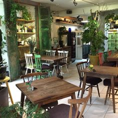 Fantastic ideas of some restaurants to inspire you! Restaurant Design, Restaurant Bar, Restaurant Interiors, Bar Image, Interior Architecture, Interior Design, Café Bar, Handmade Table, Outdoor Furniture Sets
