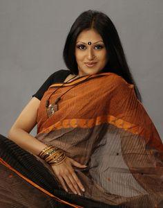 Bangladeshi model Kushum Shikdar in saree
