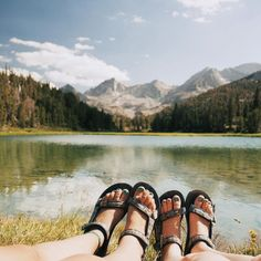 After a long hike, your feet deserve some sun too. Keep them comfy in a pair of Originals. #TevaUpgrade