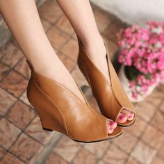 Peep toe wedges ankle comfortable for ladies.Color: black, yellow, beige Upper material: PU Inner material: PU Sole material: rubber sole Heel height: 8.5CM. |2013 Fashion High Heels|
