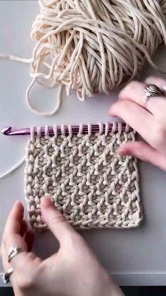 Tunisian Crochet Patterns, Easy Crochet Stitches, Crochet Stitches For Beginners, Beginner Crochet Projects, Crochet Basics, Easy Things To Crochet, Knitting Stitches, Mode Crochet, Knit Or Crochet
