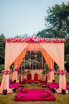 Weddings are a celebratory occasion which brings together two families. Confused whether to decorate your wedding mandap using florals or lights? We have curated a list with some awe-inspiring Wedding Mandap decor inspirations we know you'll love. Indian Wedding Theme, Desi Wedding Decor, India Wedding, Wedding Mandap, Floral Wedding, Wedding Colours, Wedding Reception, Wedding Hall Decorations, Marriage Decoration