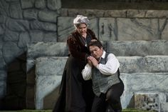 Turiddu (Francesco Anile) and Mamma Lucia (Silvia Pasini)