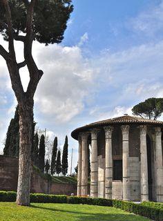 Ancient Roman Temple of Hercules Victor (Tempio di Ercole Vincitore) in Piazza Bocca di Verità, Rome Italy
