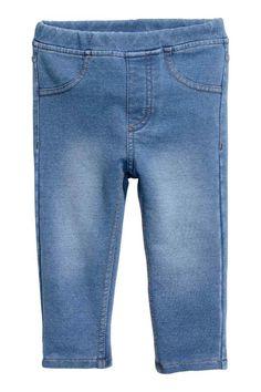 Treggings: Treggins en punto resistente con cintura elástica y bolsillos delanteros decorativos.
