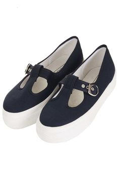 fa32b2ea012 TOMMY Buckle Flatforms Shoe Collection