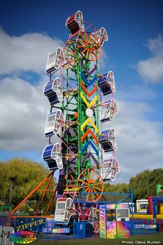 1 of my favorite carnival rides ever :) , Mitro Amusements Zipper - Amusement Ride Extravaganza Abandoned Cities, Abandoned Mansions, Fair Rides, Tattoo Lettering Fonts, Amusement Park Rides, Carnival Rides, Old Churches, Holidays And Events, Aesthetic Pictures