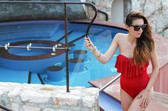 le fay | le fay resort | lago di garda | costume intero | costume da bagno | asos | bikini | estate 2013 | ragazza piscina | piscina | costume da bagno rosso | costume intero rosso | occhiali da sole borchie | fitspo | fisico perfetto | irene colzi | fashion blogger | look | outfit  3